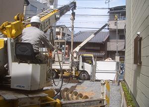 5月17日 湿式柱状改良による地盤補強工事