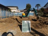基礎掘り方、割栗石敷き込みから捨てコン