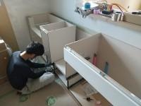 システムキッチン組み立て