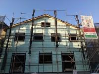 壁断熱2層目の施工及び通気胴縁の施工
